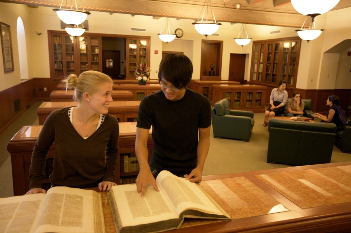 Students in USC's Feuchtwanger Memorial Library