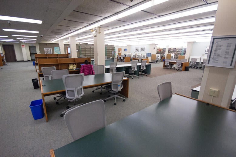 Tables and carrels in the lower level of Norris Medical Library
